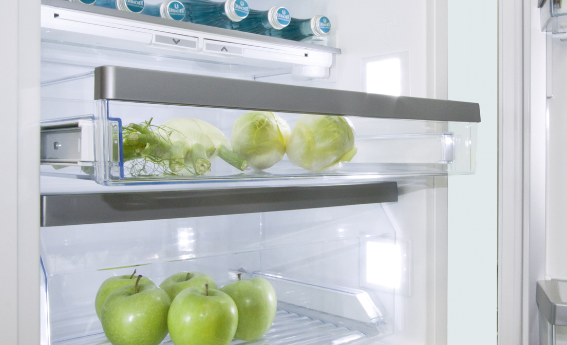 Powder-coated Schock telescopic slides in fridges and freezers